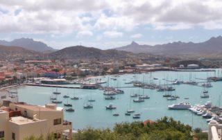 Blick auf die Hafenbucht von Mindelo, São Vicente, Kapverdische Inseln