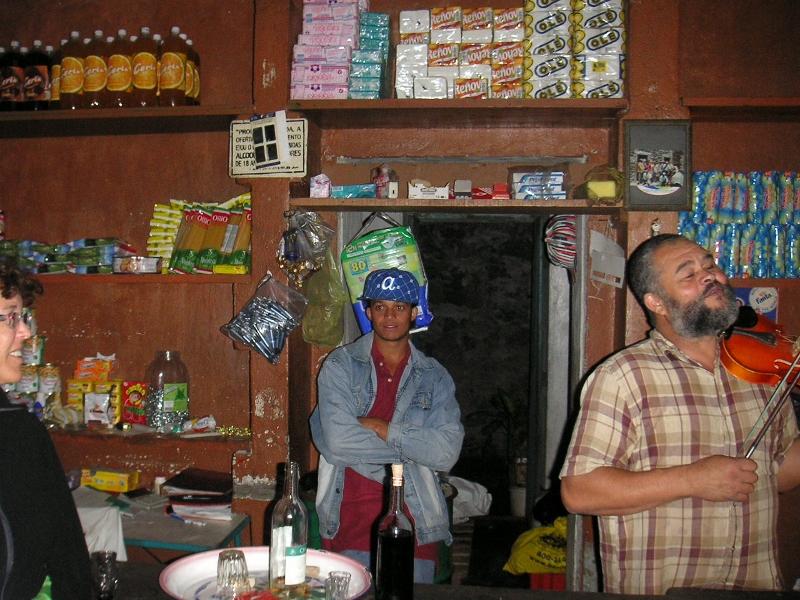 Lifemusik bei Ramiro, Insel Fogo