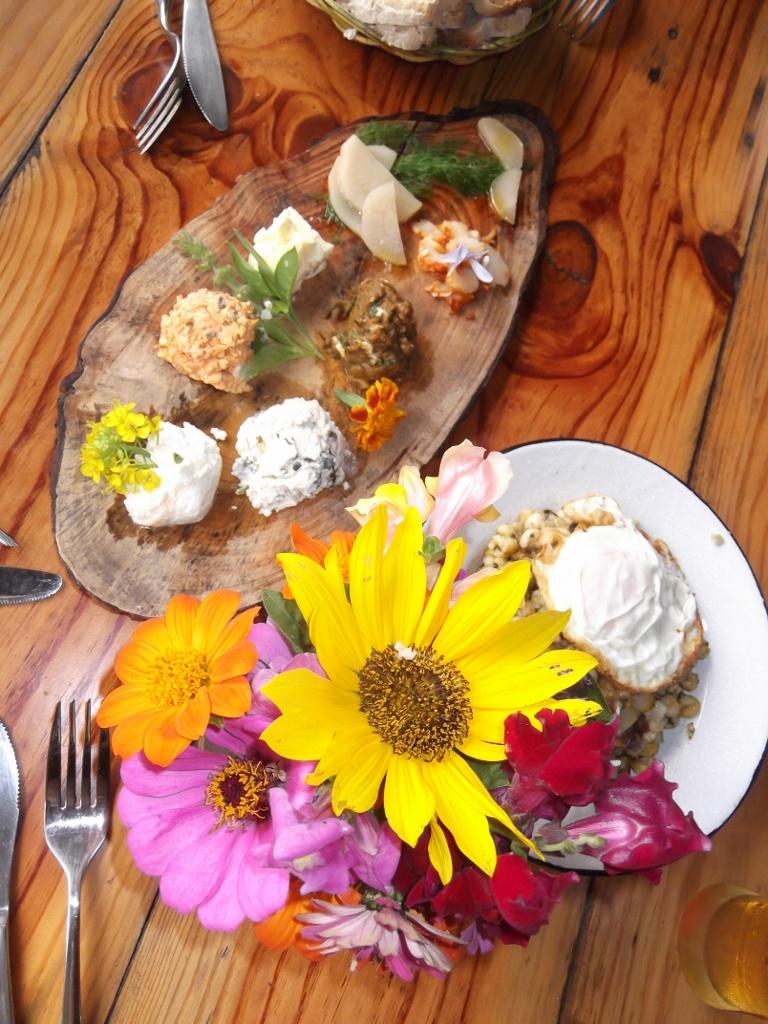 Kap Verde - gedeckter Tisch in lokalem Restaurant