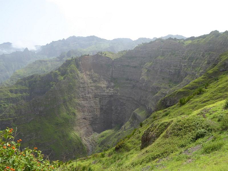 Erloschener Vulkankrater auf der Insel Santo Antao, Kapverden