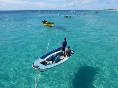 Kristallklares Meer vor der Insel Sal