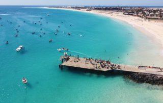 Fischersteg und Strand von Santa Maria Sal Dronenaufnahme
